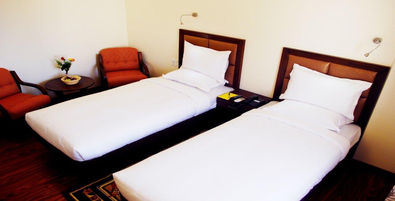 deluxe-twin-room01